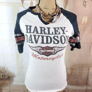 Harley Davidson Baseball Style tee. Size S…